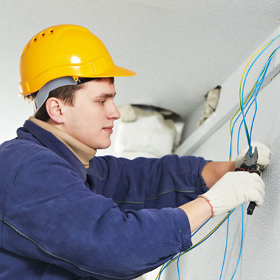 network cable technician troubleshot cat6 connection, and installed new wire